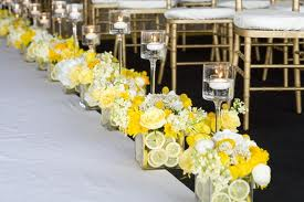 yellow aisle decor