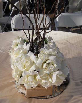 wedding centerpieces ivory roses