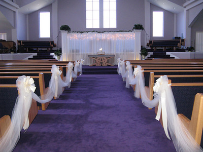 Best wedding decorations best church pew wedding decorations ideas beautiful church pew wedding decorations junglespirit Image collections